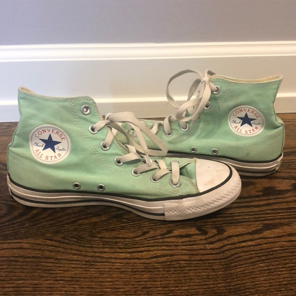 Converse Other - Converse Chuck Taylor Sneakers